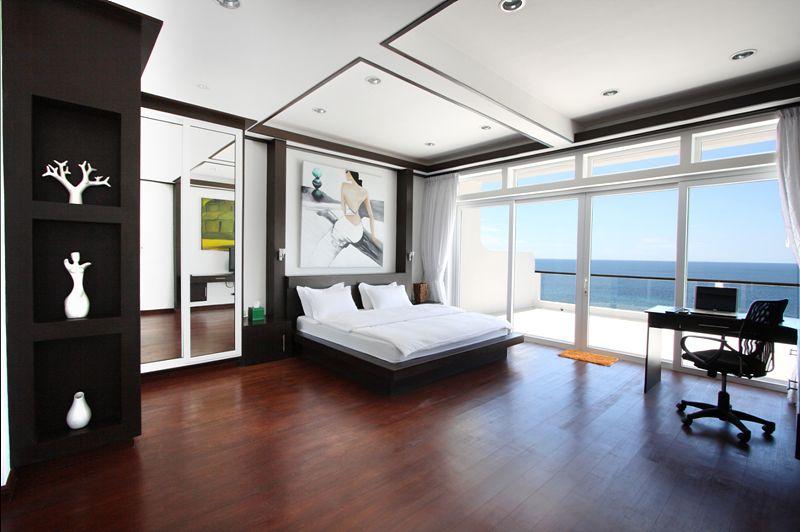 主人房連接海景露台,最適合二人世界。