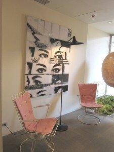 酒店lobby已滲出一股設計師的味道,我想擁有那張designer chairs。