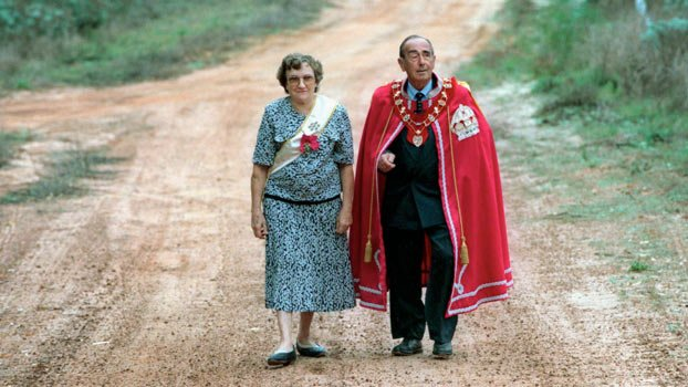 Prince Leonard和Princess Shirley的這張經典照片讓人婉惜王妃的離世,希望公國能長存,故事能延續。