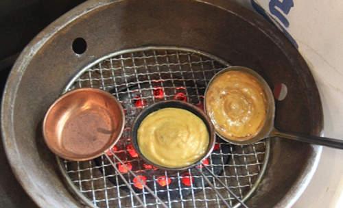 烤後的勺子粘著大量焦糖,很難清洗,唯有被犧牲。