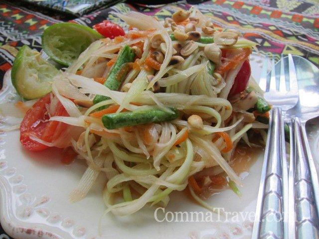 到處可見的Papaya Salad青木瓜絲沙律,可辣可不辣,大熱天時,涼食較可口。
