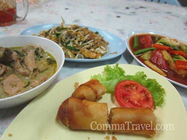 泰式春卷、炒金邊粉、青咖哩、炒雜菜,Classic泰菜。