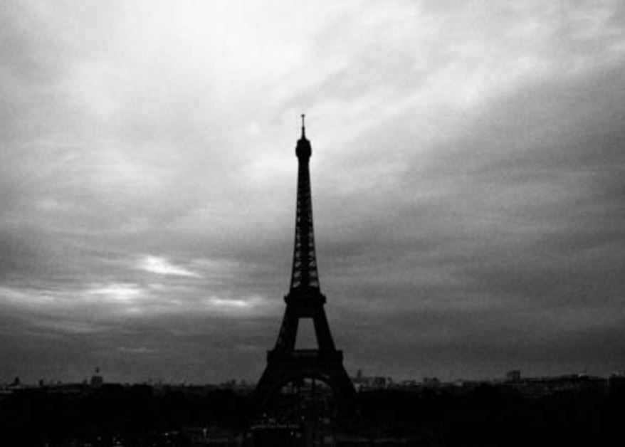 20151115ParisAttack-effieltower